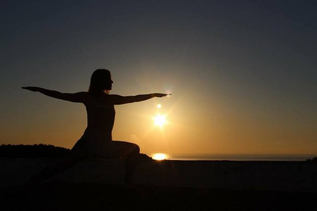 amanda yoga sunset